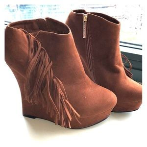Camel suede fringed wedged booties - NWOT